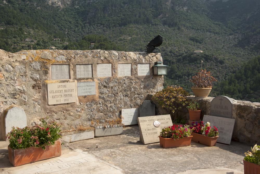 Cemetery Deia
