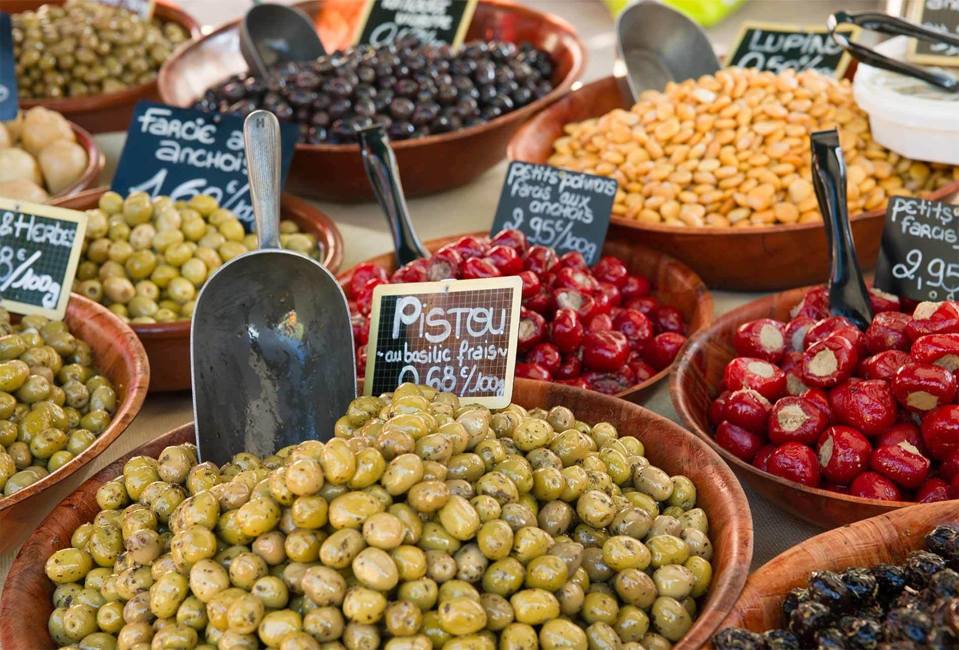 Olives Market 3