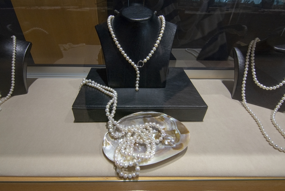 Final pearl product from manacor