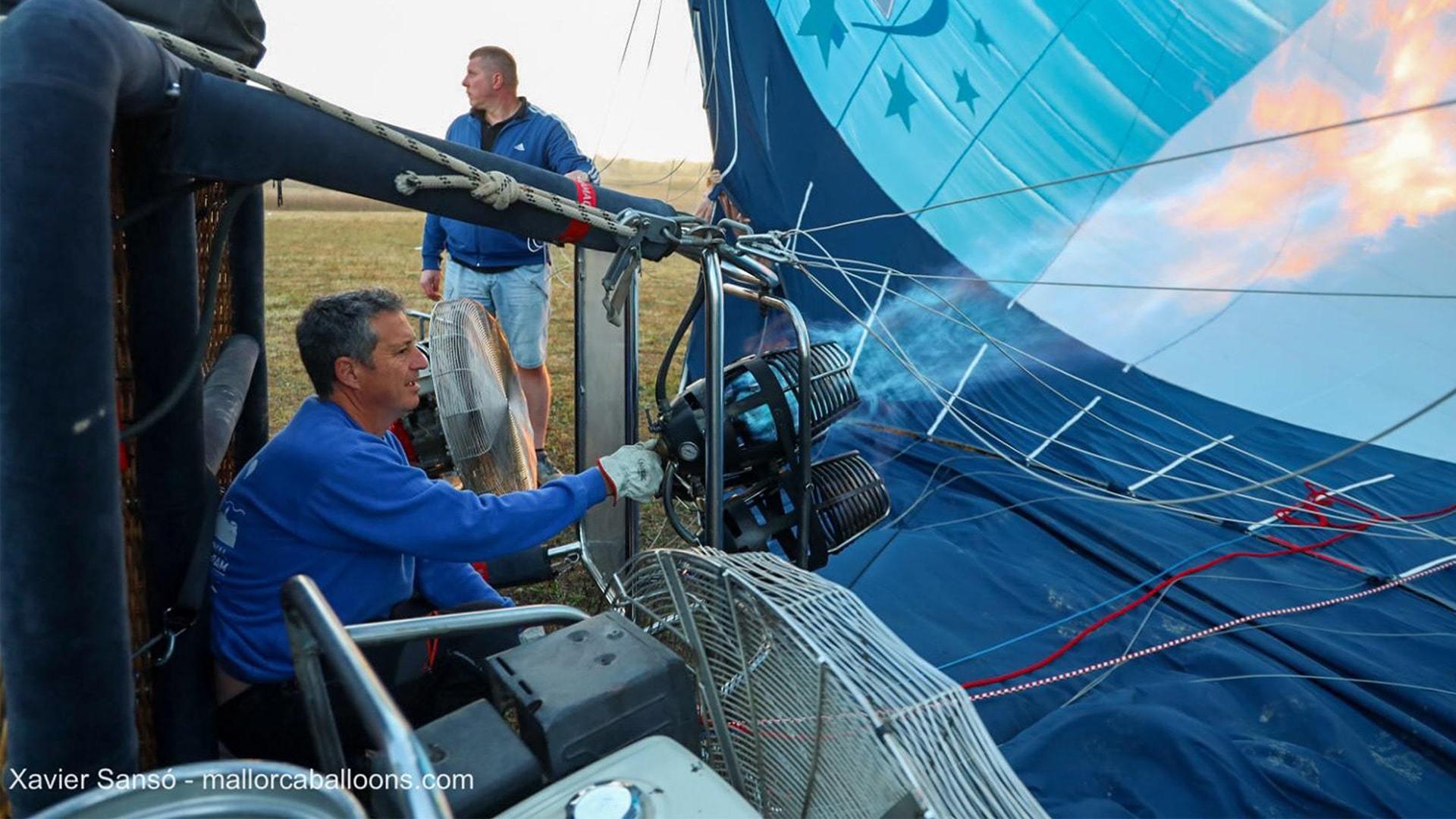 Hot air balloon getting ready mallorca championships min