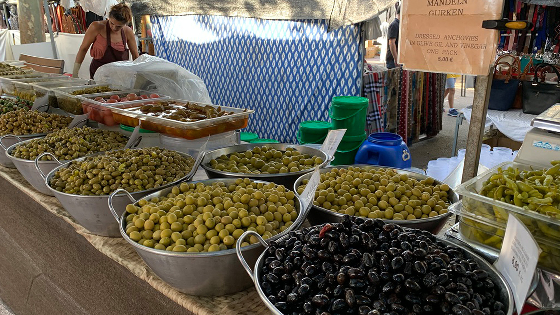 Olives stand market mallorca