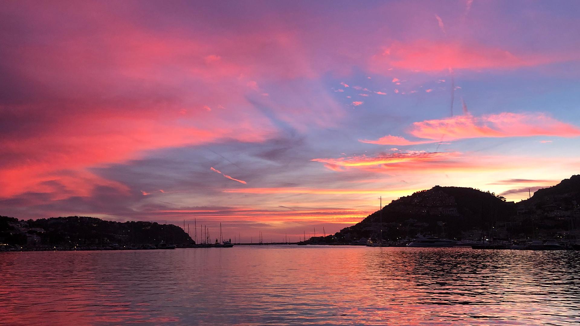 Pink sunset sea view