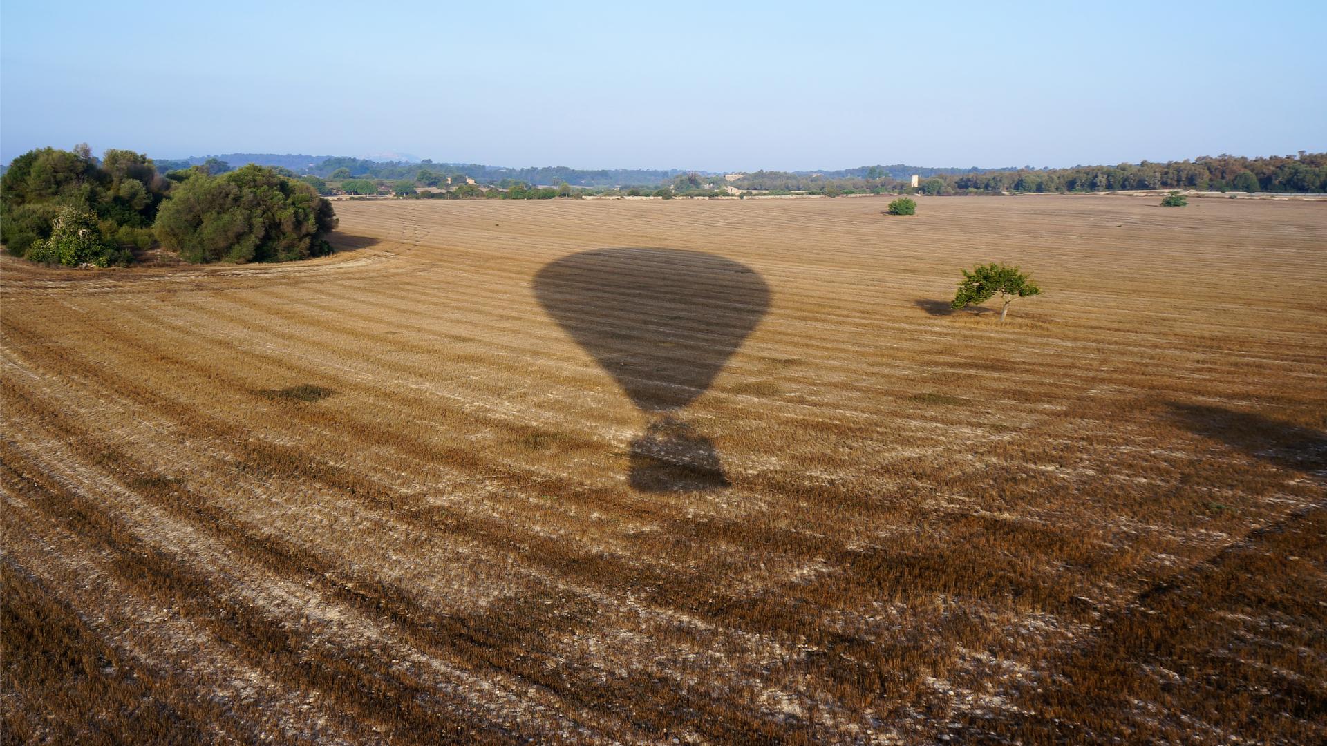 Shadow on field balloon island mallorca