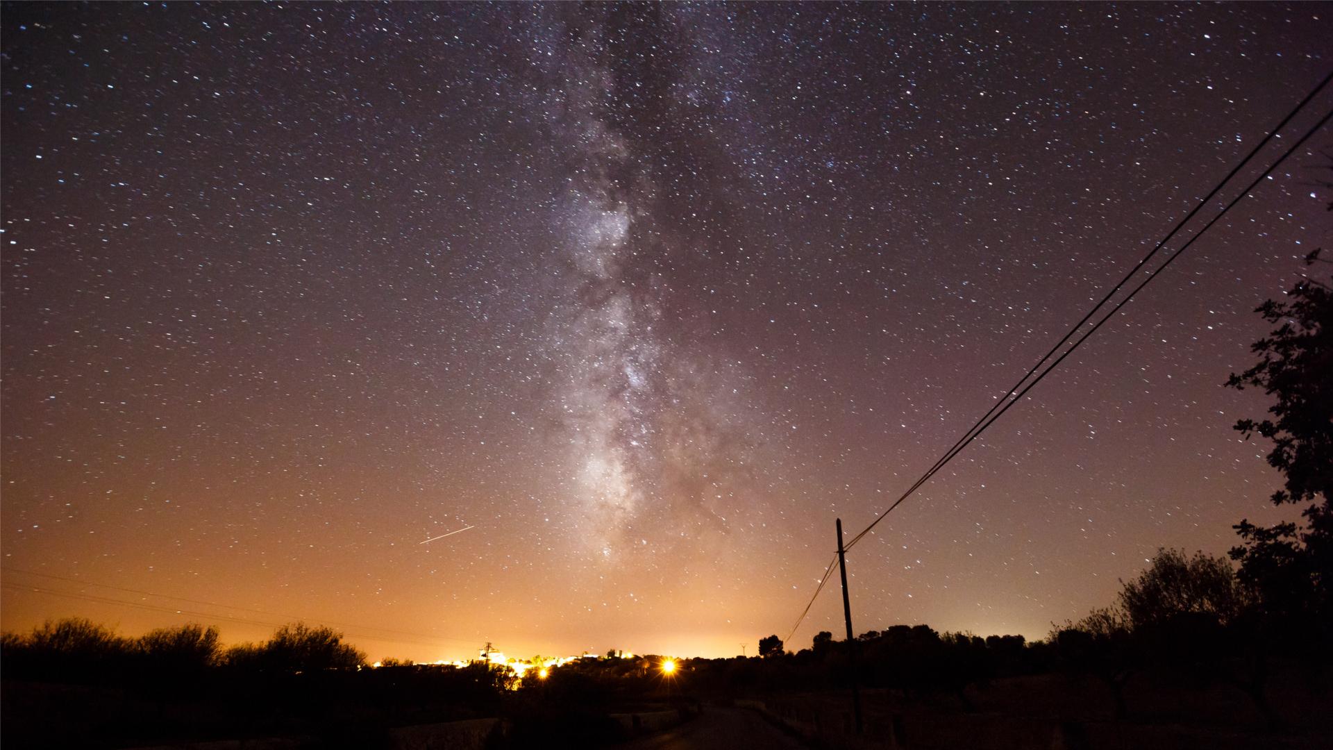 Stargazing mallorca wonderful night heavens over road mallorca
