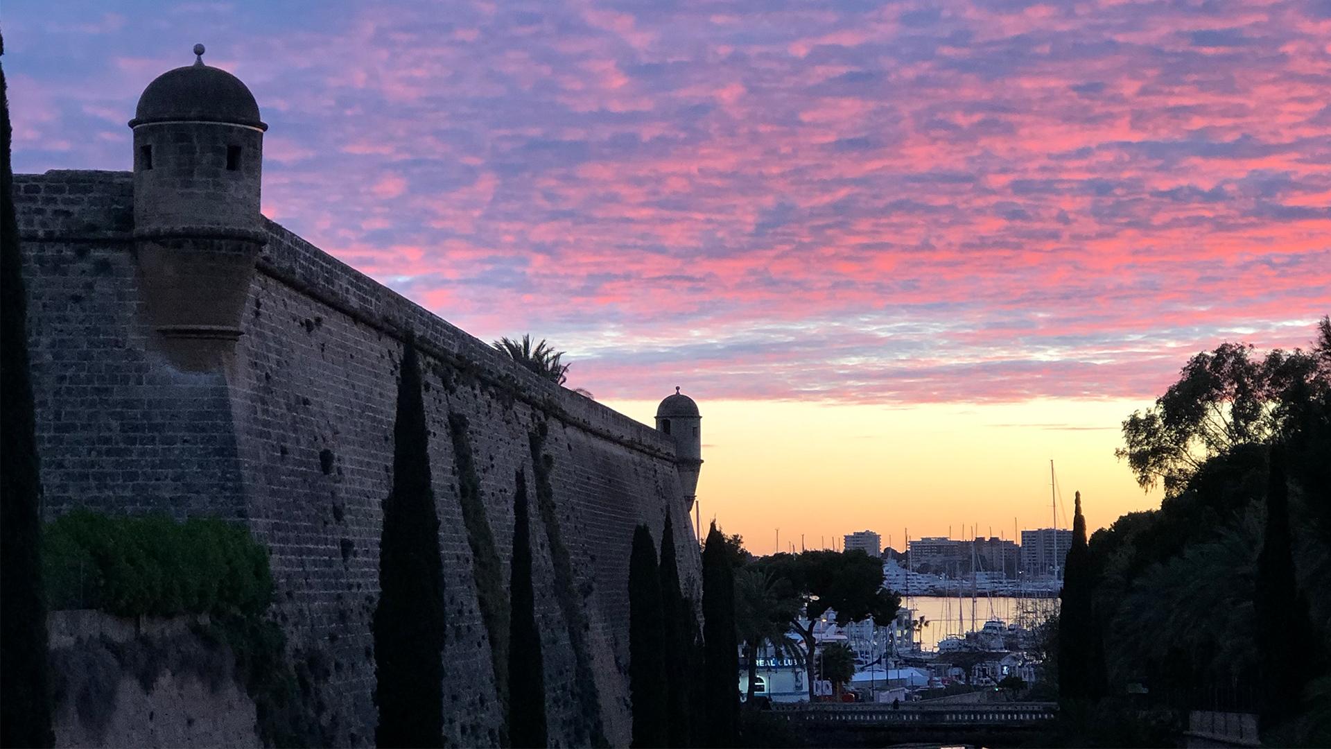 Sunset autumun Palma port Photo Adele Chretien